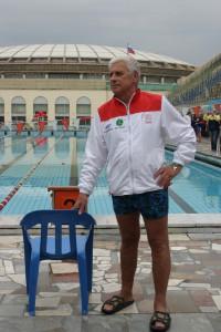 Ветеран плавания.Юрий Фуников приехал на Мемориал с Универсиады-2013