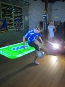 А это корифей футбольного жонглирования