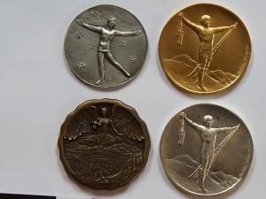 Такие ценные медали