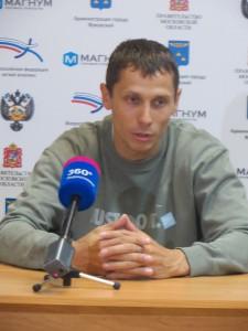 Юрий Борзаковский на пресс-конференции грустен