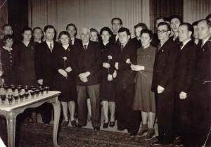 Марсель Кашен принимает советских атлетов. Анна Зайцева в первом ряду