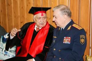 Дружеский диалог.юбиляр А.А.Новиков и И.М.Тюрин