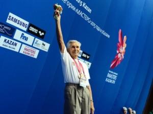 Новый мировой рекорд 95-летнего пловца