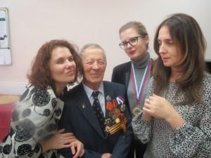 Юбиляр Элисбар Воронков был как всегда, окружен любящими его  людьми..