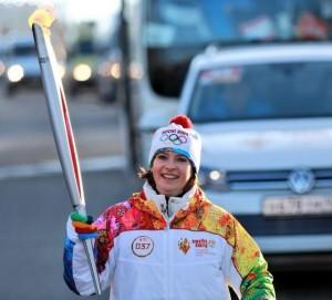 Ольга, заслуженный мастер спорта по легкой атлетике.И сочинский олимпийский огонь пронесла достойно