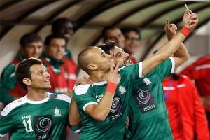 Иорданский футболист ликует после гола с селфи