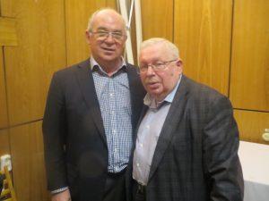 Александр Стеблин, крупный специалист хоккея( слева) и Спортивный журналист, автор многих книг Всеволод Кукушкин